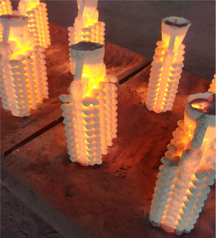 Investment-casting-foundry-spouring
